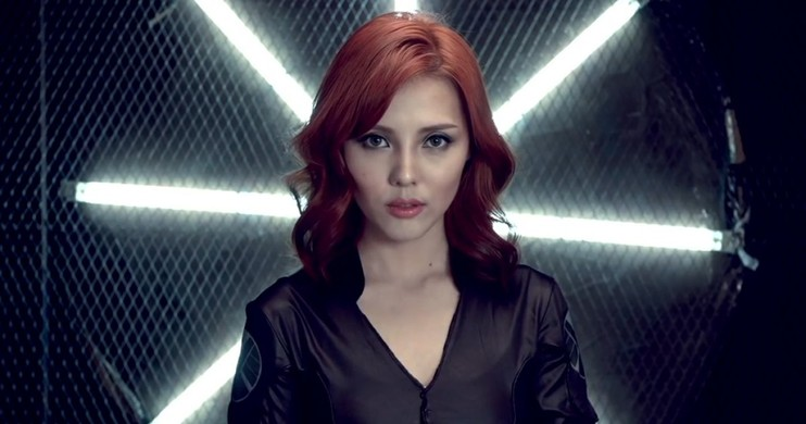 Foto Tutorial Make Up Black Widow oleh Vlogger Korea, Pony