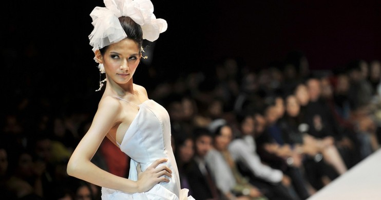 Foto Tren Jerawat Pada Model Fashion Show