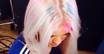 Tren Rambut Unik: Rainbow Roots