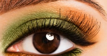 Tutorial Eye Makeup: Green Glam Eye Makeup