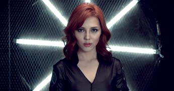 Tutorial Make Up Black Widow oleh Vlogger Korea, Pony