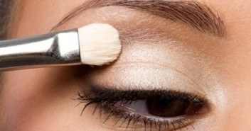 Tips Agar Make Up Tahan Lama: Eye Make Up